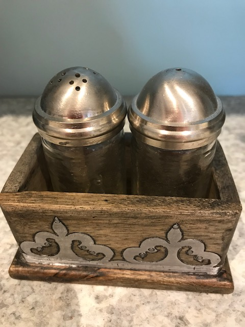 Salt & Pepper Wood/Metal collection with 1 products