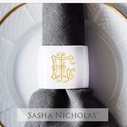 Oval Napkin Ring With Gold Monogram collection with 1 products