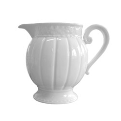 Louvre Creamer collection with 1 products