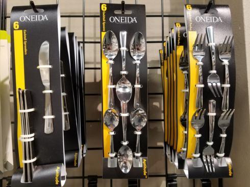 Oneida  Flatware Cocktail Knives $7.99