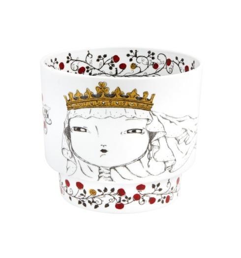 $138.00 Queen Santa Isabel Cachepot