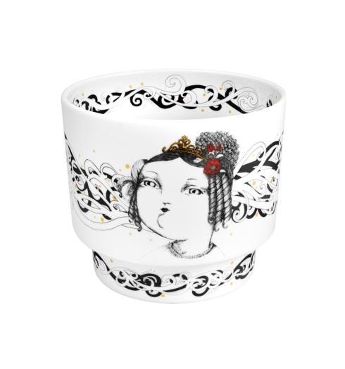 $125.00 Vase Queen D. Maria Ii