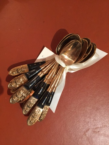 William-Wayne & Co. Exclusives   Set of 12 Vintage Horn and Bone Spoons $275.00