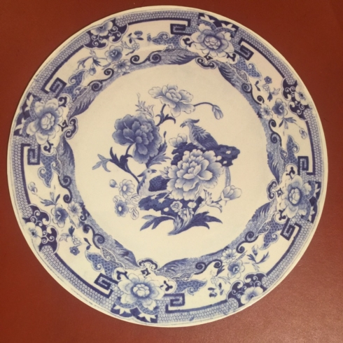William-Wayne & Co. Exclusives   Round Blue and White Placemat $15.00
