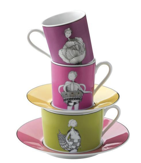 Set of 4 Coffee Cups and Saucers in Gift Box