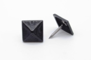 Buck Snort Lodge Clavos Square 3/4-in Pyramid Clavo 4-Pack Black Ox